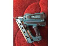 1st fix nail gun