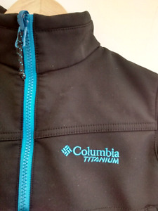 $25 Excellent Used Condition Size 4/5 Columbia Shell Jacket