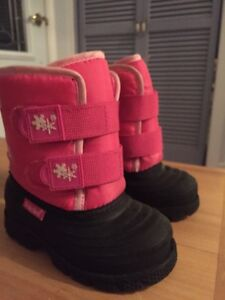 Toddler winter boots size 7 West Island Greater Montréal image 2