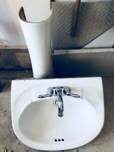 Like New Pedestal Sink with Faucets (from New Mattamy Home)