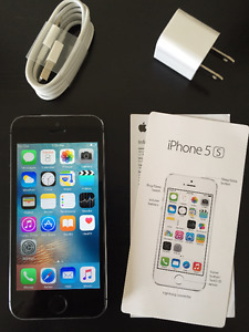 Space Grey iPhone 5s,16GB. Perfect Condition 10/10. BELL/VIRGIN