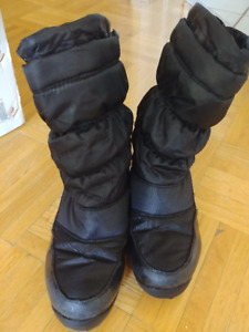 Winter boots girl size 1
