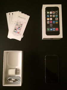Space Grey Iphone 5s,16gb Good Condition. ROGERS/CHATR