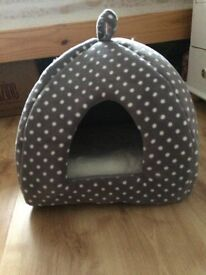Cat bed from 'Pets At Home' - NEVER USED