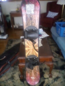 SNOWBOARD AND CARRING CASE