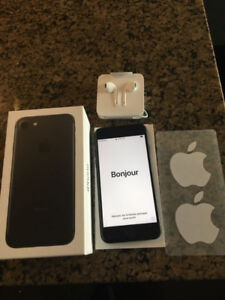 Like new iPhone 7 128GB, original owner, black, Telus