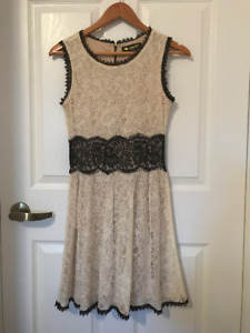 Ivory cocktail dress w black lace detail