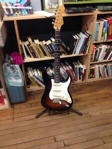 Squier 60's vibe strat in mint condition