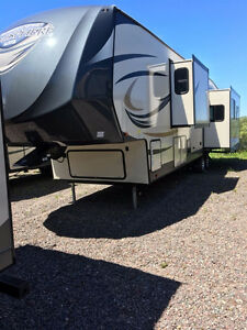 SAVE $1000'S  3 NON CURRENT Fifth Wheel 386FBK $109.99 weekly