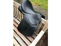 "GFS pro Elite V.S.D saddle black. 16.5"". medium Saddle"