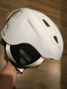 Casque de ski blanc femmes /white ski helmet women worn once