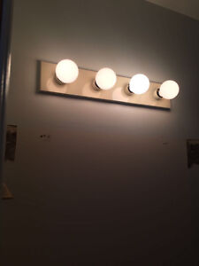 4 Strip Bathroom Light London Ontario image 1