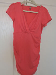 Pink Maternity Top Size Small in Excellent Condition