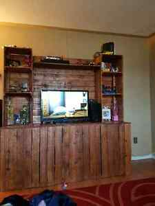 Tv stand MAKE AN OFFER!