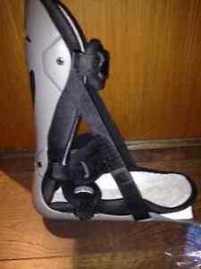 Light foot brace Right