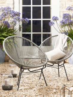 2x outdoor chairs (apaculco string style)