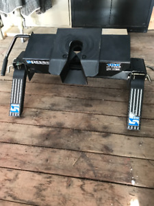 5th-Wheel Hitch for sale