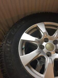 255/70R18 pneus hiver sur mags pour Jeep Wrangler