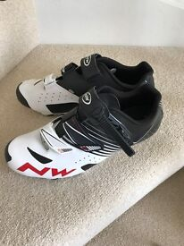 NORTHWAVE MTB/ ROAD CYCLING SHOES WITH CLEATS 9 U.K.