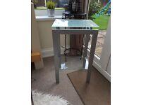 Glass corner/side table
