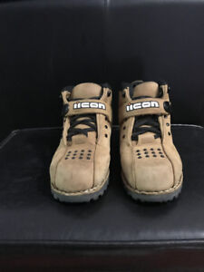 Motorcycle IIcon Super duty Boots-Size 10 Tan colour