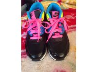 Nike air max women's trainers size 5