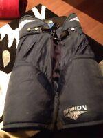 Pantalons de hockey bleu de marque Mission a vendre