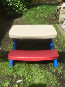 SMALL PICNIC TABLE FOR KIDS
