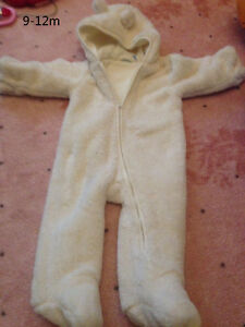 SNOW SUIT -CHILDRENPLACE 10$/ DEUX PAR DEUX 45$