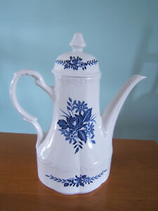 DRESDEN BLUE TEA POT IN MINT CONDITION