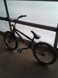 MirraCo velle bmx bike