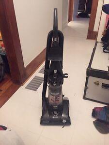 This vacuum SUCKS