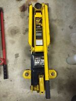 Performance Tools 2 1/2 ton jack for sale