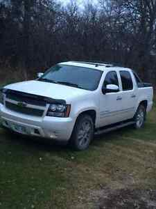 2010 Chevrolet Avalanche Pickup Truck