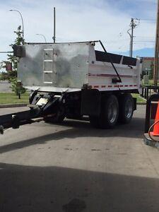 Gravel pup trailer