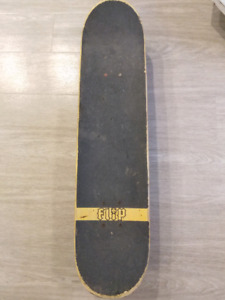 Complete high end skateboard (used)