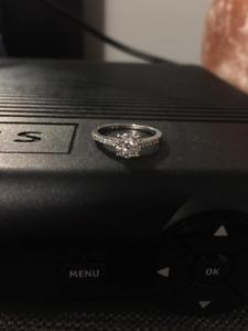 14k Engagement ring size 5
