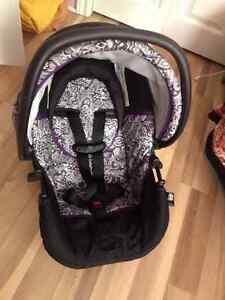Infant car seat for sale! St. John's Newfoundland image 1