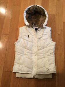 American Eagle hooded winter vest