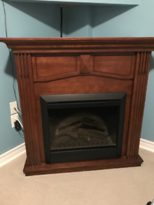 Dimplex Holbrook Electric Fireplace Mantle package.