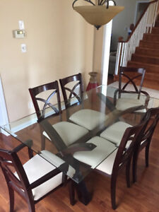 Dinning room set w/ 6 chairs