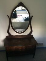 Antique Solid wood 3 drawer vanity with mirror