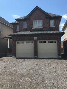 4 bedroom 1 year old house for rent in walking distance of Falls