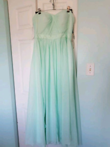 Bridesmaids dresses Mint and pink