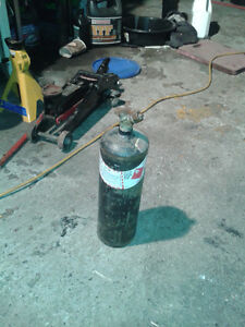 Offering 10 Cu/Ft [ MC ] Acetylene Welding/Cutting   Gas Tank Belleville Belleville Area image 1