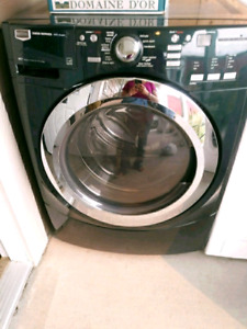 Maytag 5000 series washer and dryer set with steam options