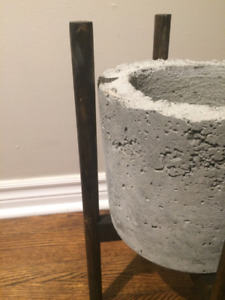 Cement Planters Kijiji In Ontario Buy Sell Save With