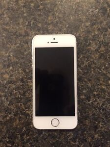MINT CONDITION - iPhone 5s 16 gig