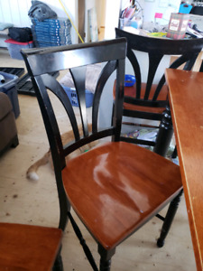 Dining room table. Tall and 6 side set chairs