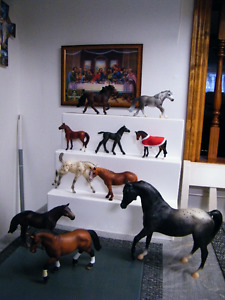 LOT OF 10 COLLECTORS HORSES IN GREAT CONDITION